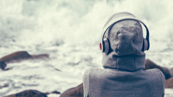 How to Understand Conversational English with Podcasts